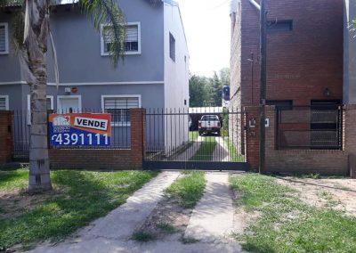 Localidad de Ibarlucea,Barrio Los Angeles ,Maestra Almara 4800